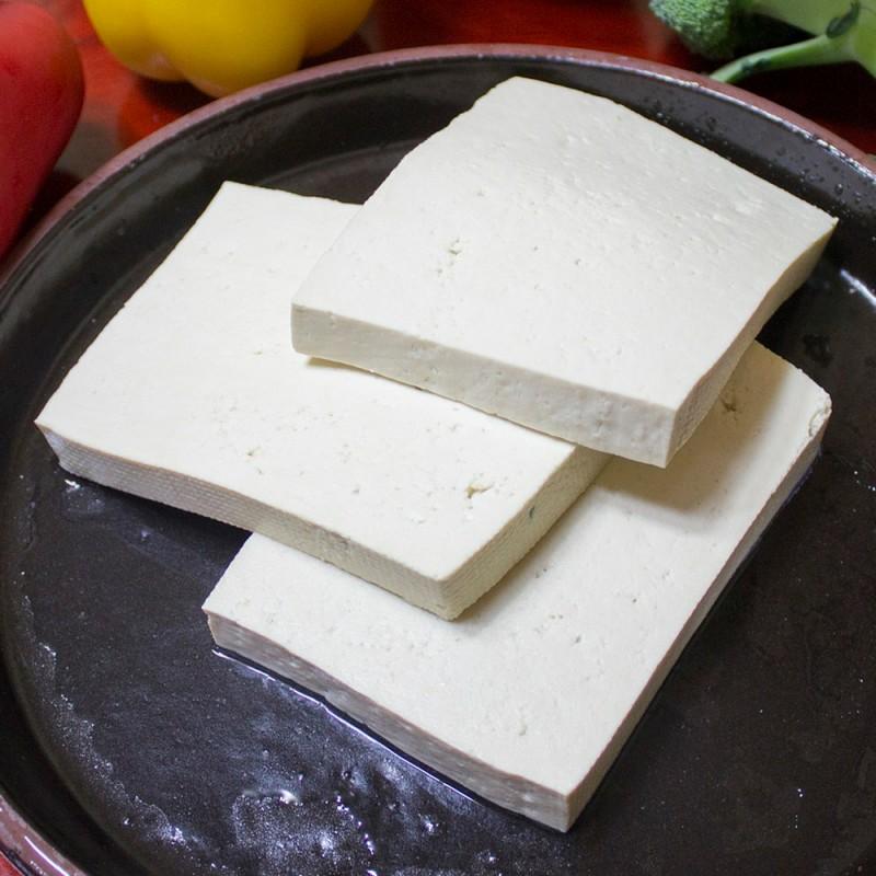 Cómo cocinar tofu. Ideas para preparar y elaborar recetas con tofu