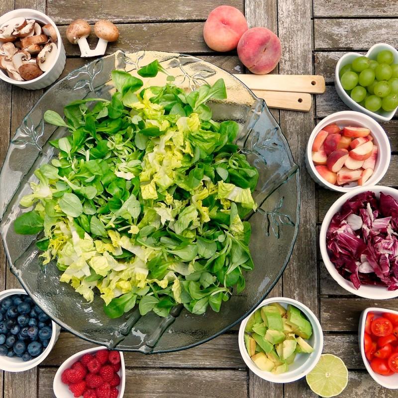 Qué alimentos combinan en una ensalada
