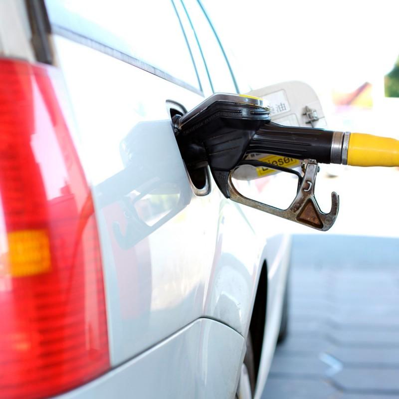 Cómo ahorrar combustible conduciendo tu coche. Conducción económica