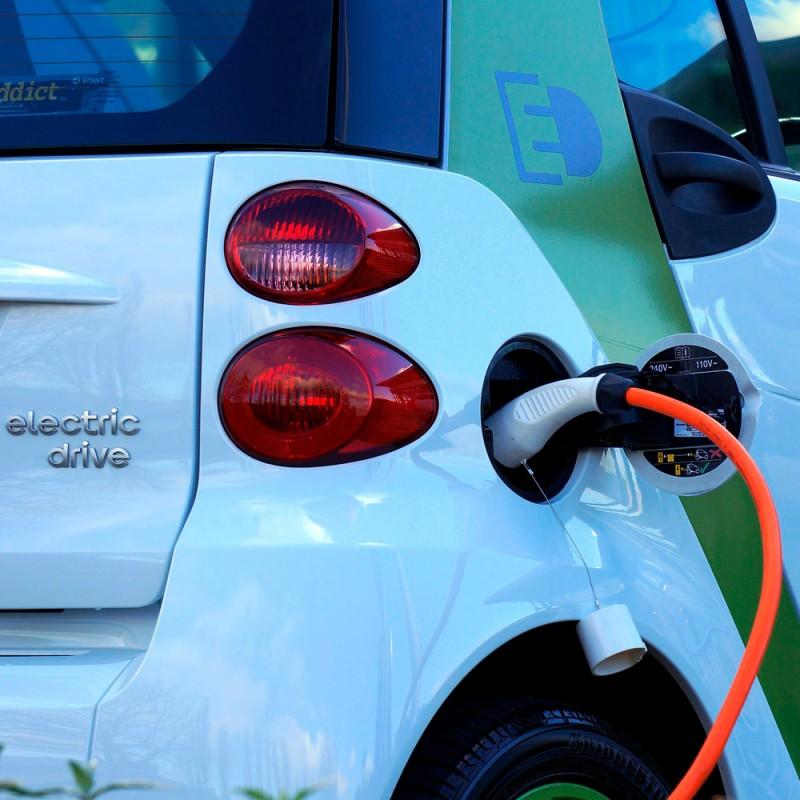 Cuáles son las ventajas y desventajas de los coches eléctricos