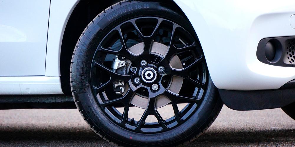 rueda de repuesto del coche
