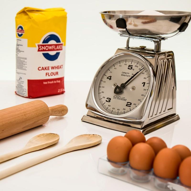 Cuáles son las equivalencias de las medidas en cocina: ¿gramos, cucharadas, tazas?