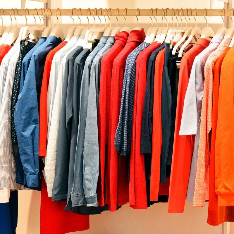 Qué hacer con la ropa usada para no tirarla y ahorrar dinero