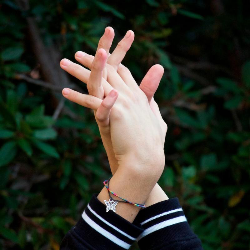 ¿Es malo crujir los dedos de las manos?