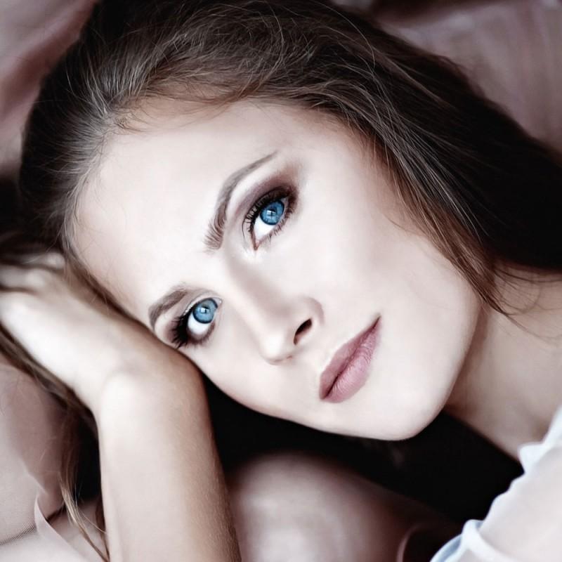 Por qué las personas con ojos azules están emparentadas y otras curiosidades de los ojos de color azul