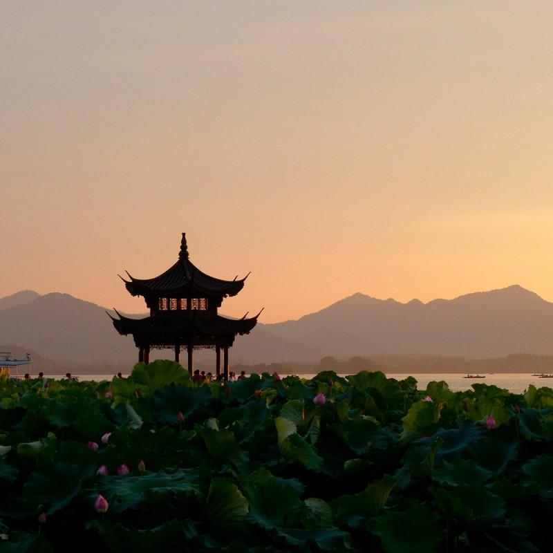 Las mejores frases de Lao Tsé que te inspirarán y guiarán (35 bellas frases taoístas)