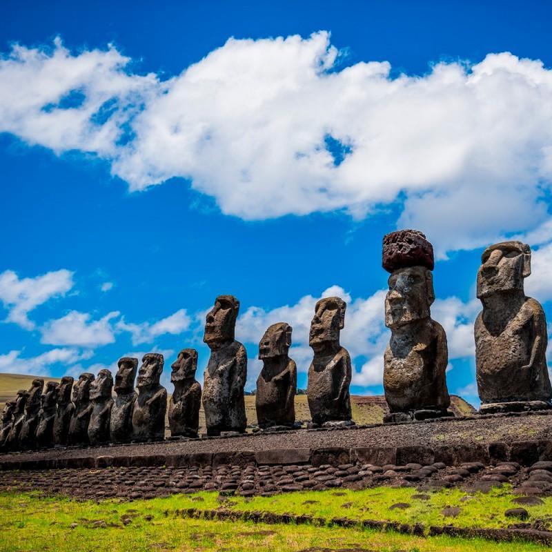 Qué son las misteriosas estatuas moai de la isla de Pascua
