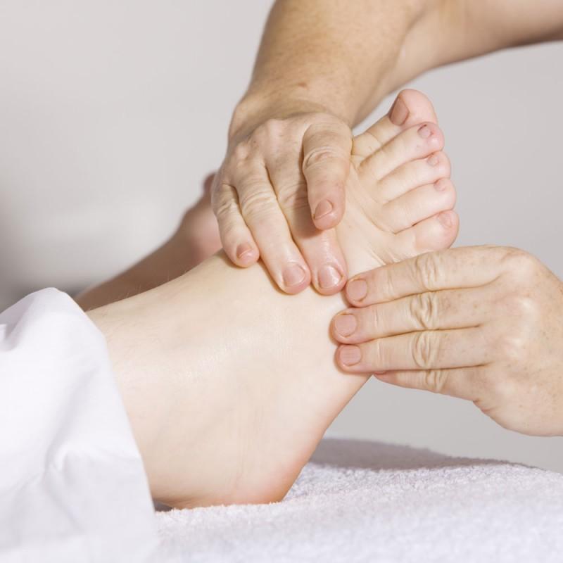 Cómo hacer el masaje de pies más increíble paso a paso