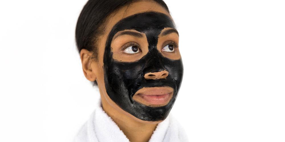 limpieza facial de puntos negros y espinillas