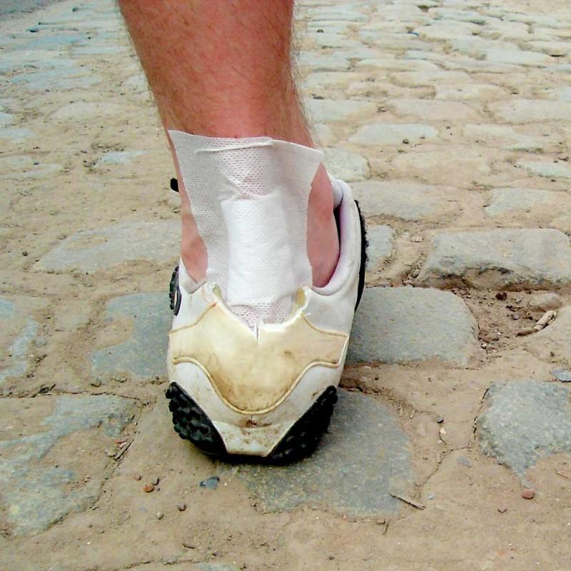 Cómo prevenir ampollas y rozaduras en los pies (7 estrategias)