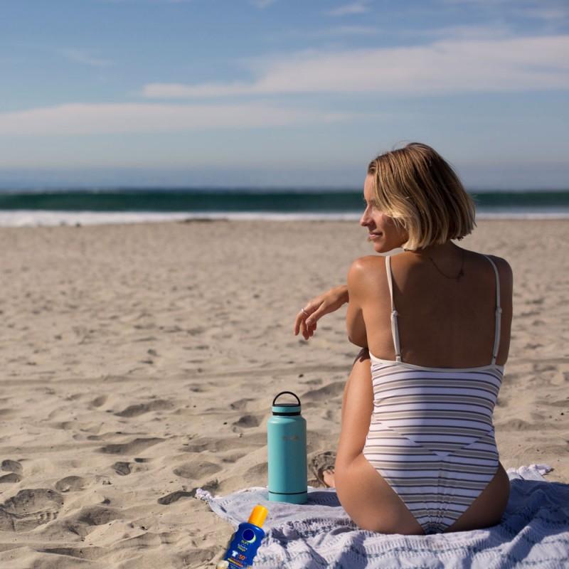 Cómo quitar manchas de bronceador de bañadores y bikinis