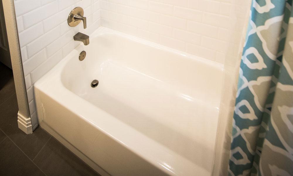 cómo limpiar una bañera muy sucia