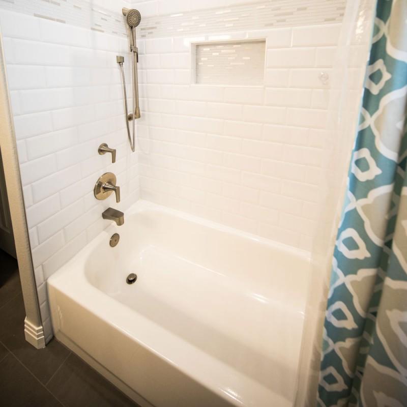 Cómo limpiar una bañera muy sucia (limpieza profunda)