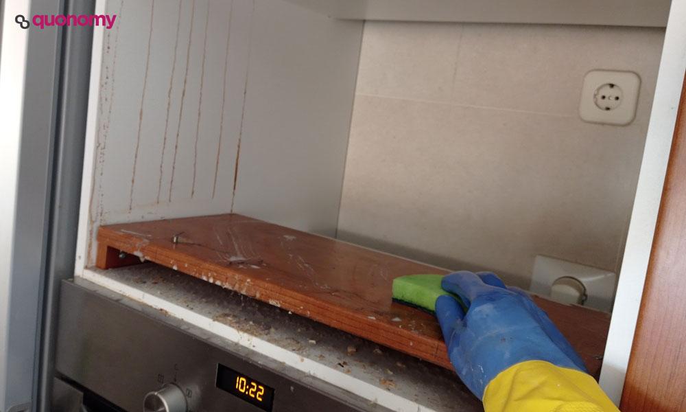 Limpiar el hueco del microondas