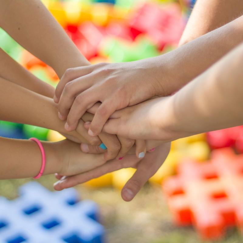 Qué es la educación socioemocional y cómo aplicarla con niños, adolescentes y adultos