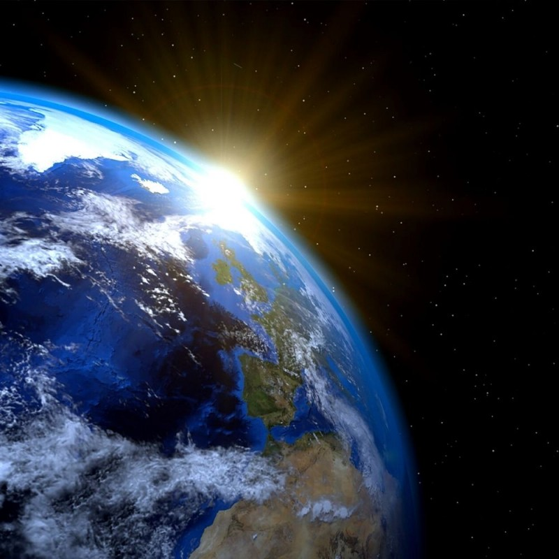 Cuál es la diferencia entre solsticio y equinoccio