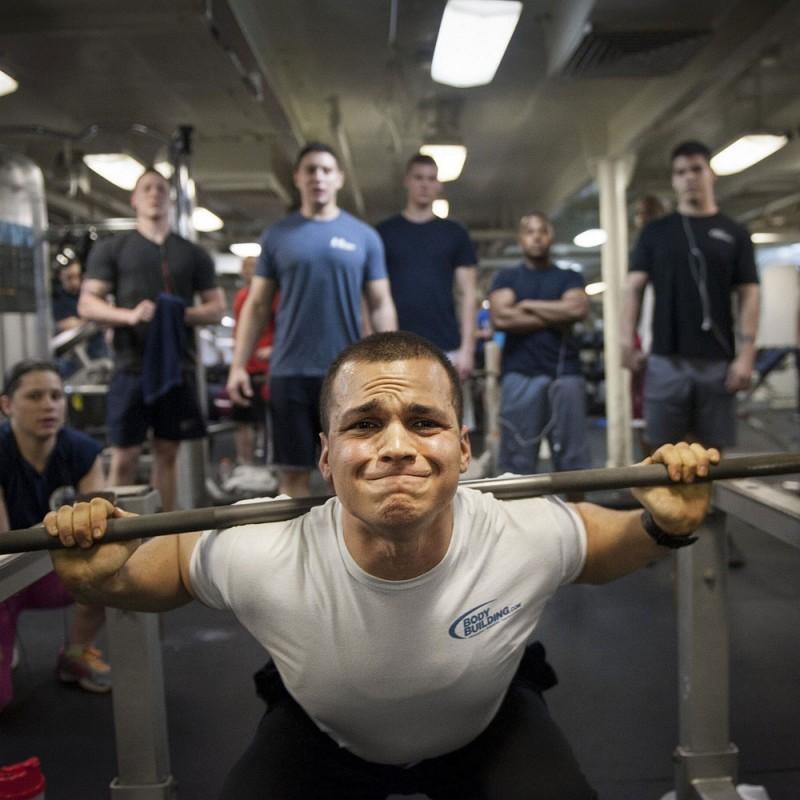 Cuáles son los errores más comunes en el gimnasio que complican tu entrenamiento