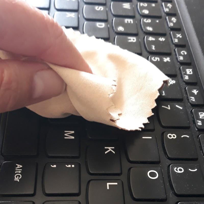 Por qué debes limpiar el teclado con frecuencia y cómo hacerlo