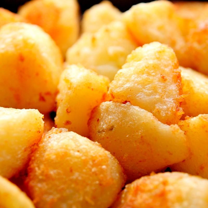 Cómo hacer patatas asadas al microondas en 3 pasos. Recetas en 10 minutos