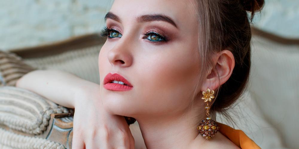 maquillaje de ojos verdes para noche