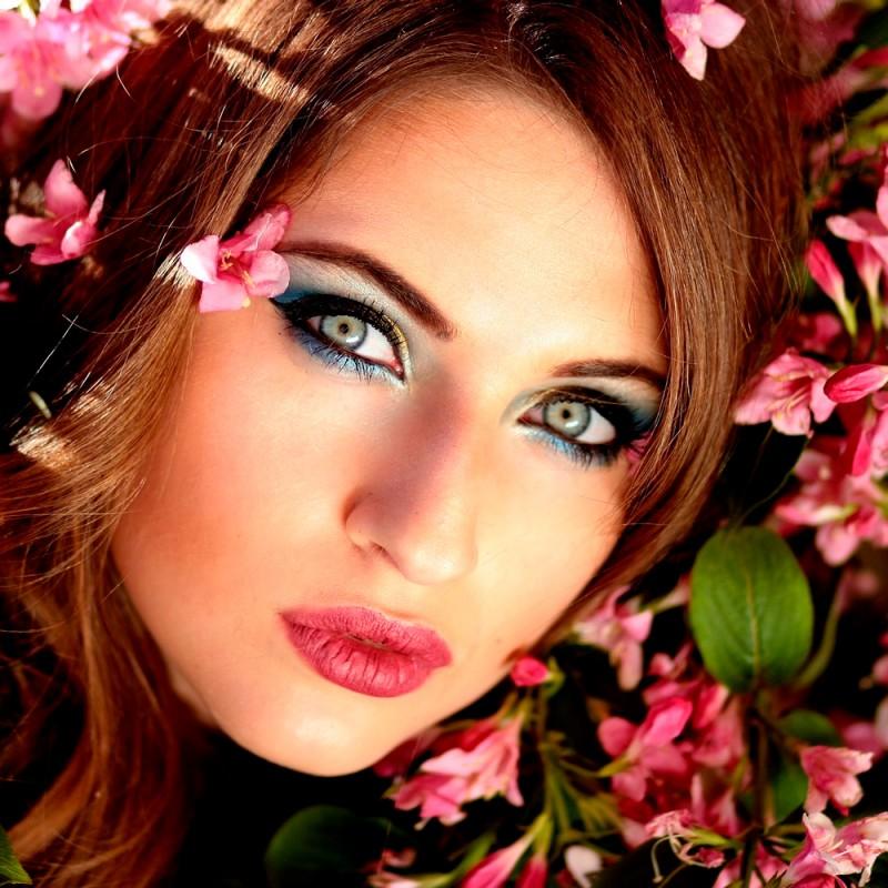 Cómo maquillar unos ojos verdes para resaltarlos. Maquillaje de día y de noche