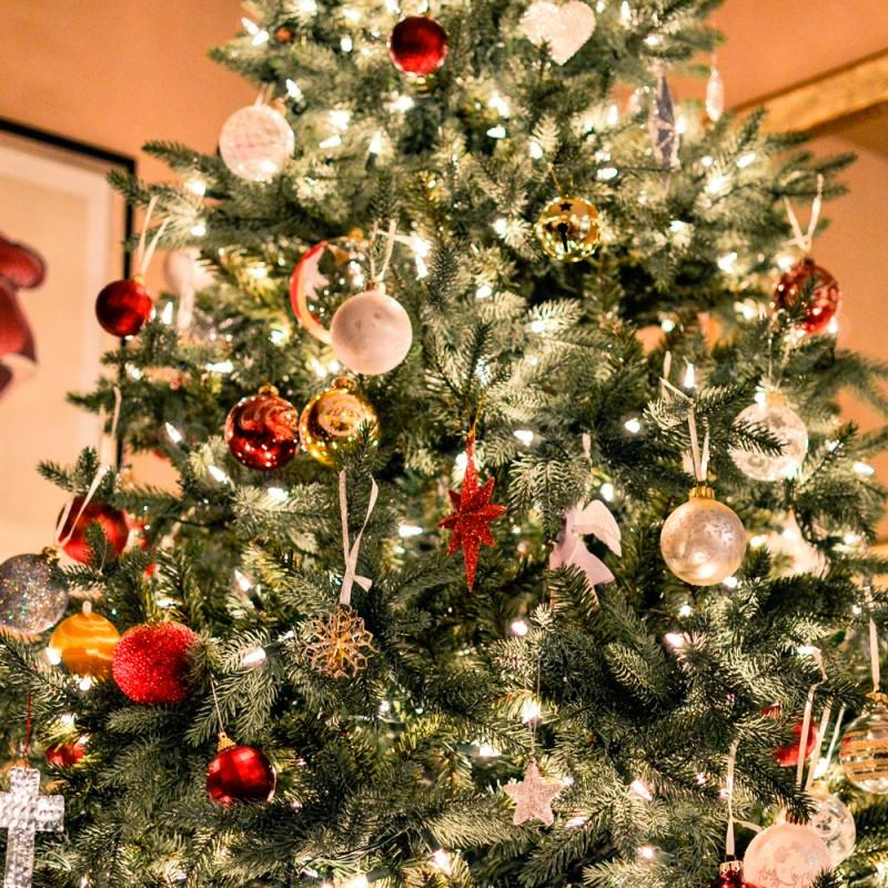Por qué decorar con un árbol de Navidad plegable. Abetos navideños decorados en 5 minutos