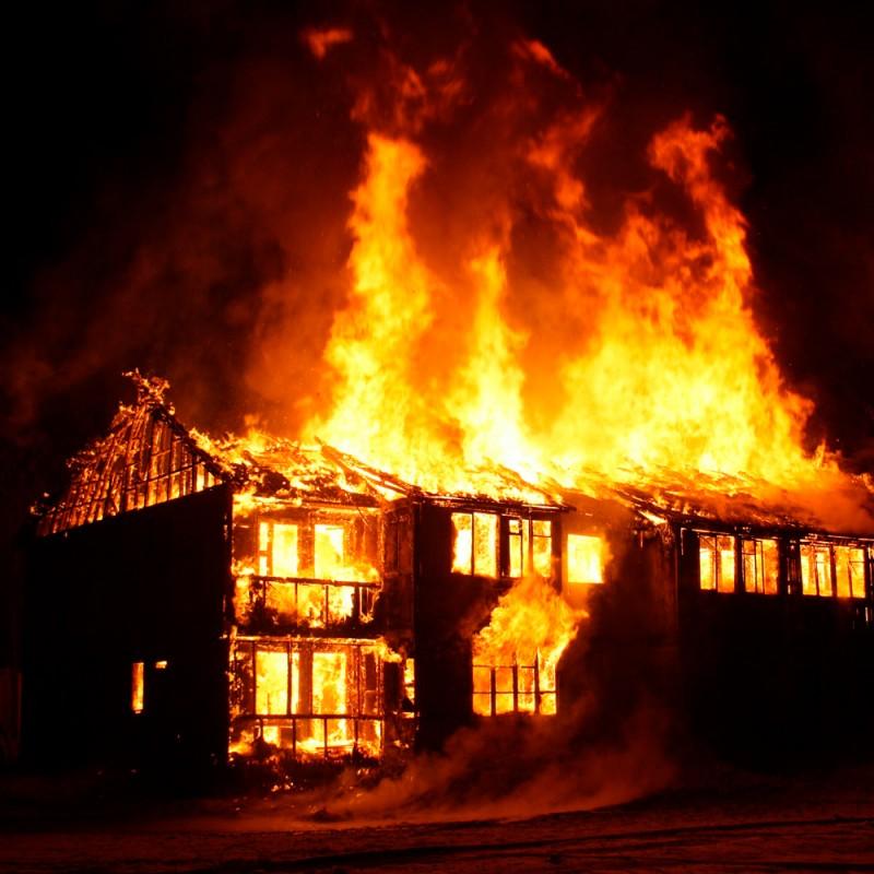 Qué hacer si se origina un incendio en casa. Errores y aciertos ante un fuego en el hogar