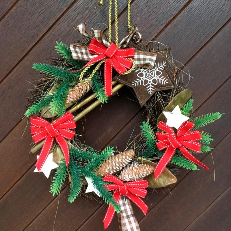 Ideas originales de puertas decoradas de Navidad. Adornos navideños