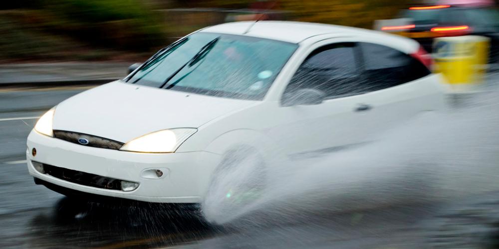Conducir con lluvia intensa